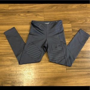 Girls size 6-7 Old Navy Active leggings